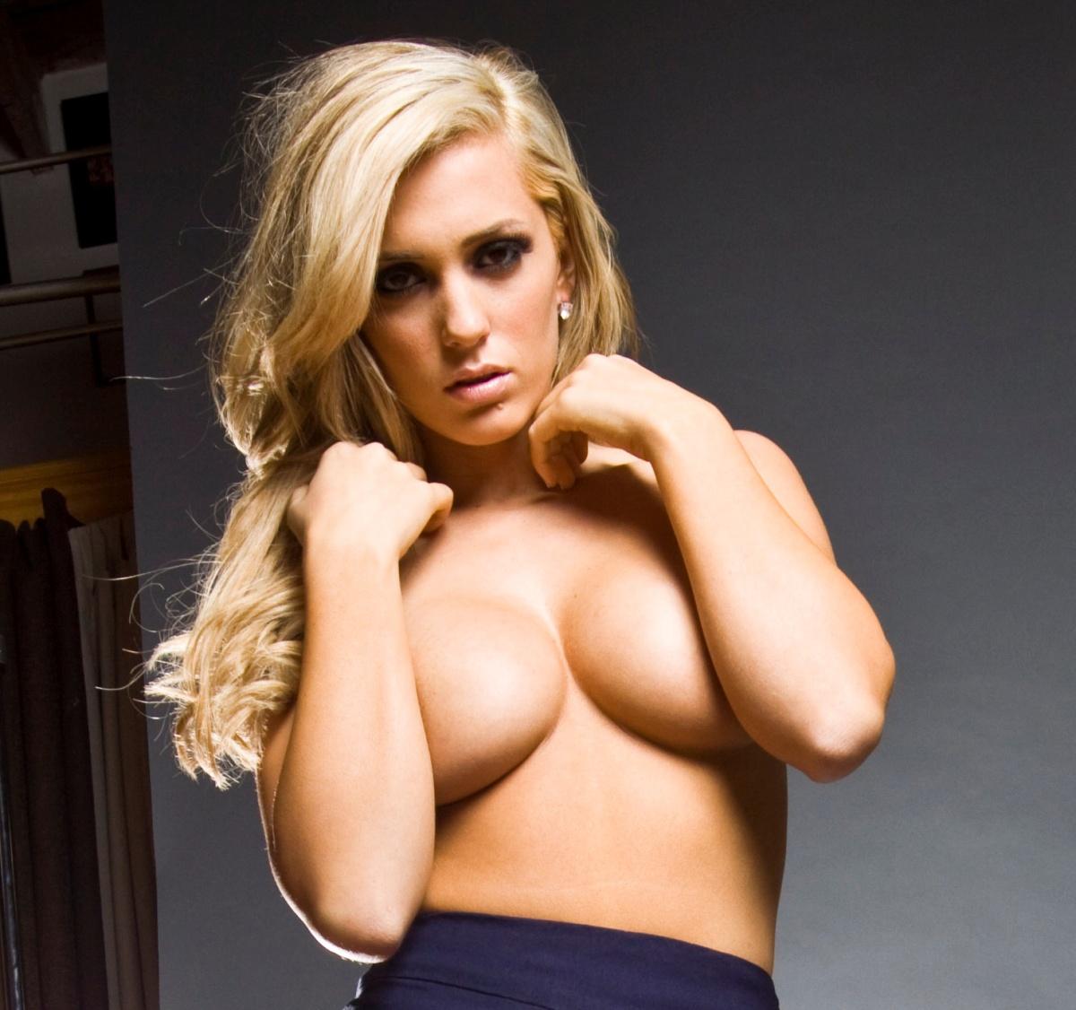 100 Photos of Amanda Roadmen Nude
